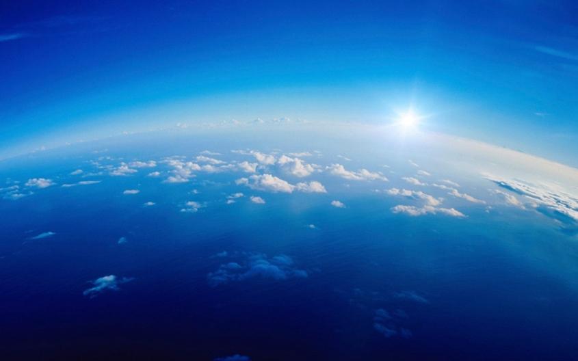 В нас слово небо над землёй небо но